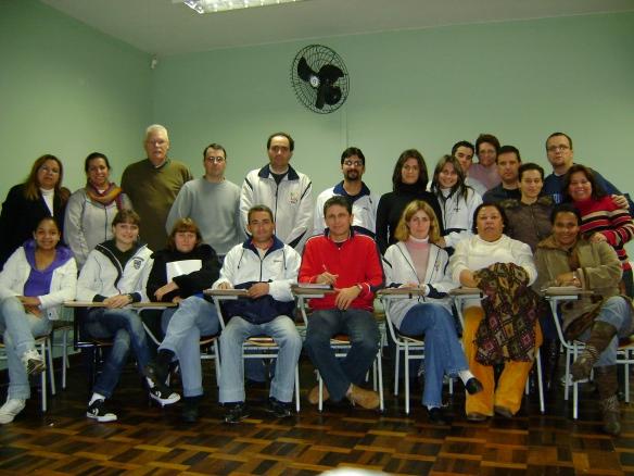 Pessoal do administrativo do Medianeira, durante seminário interno realizado no primeiro semestre de 2008.