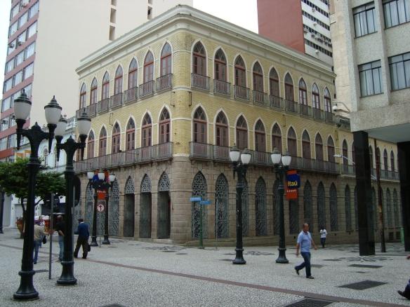 Prédio da primeira agencia do Banestado em Curitiba.