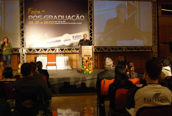 Palestra do Max Gehringer.