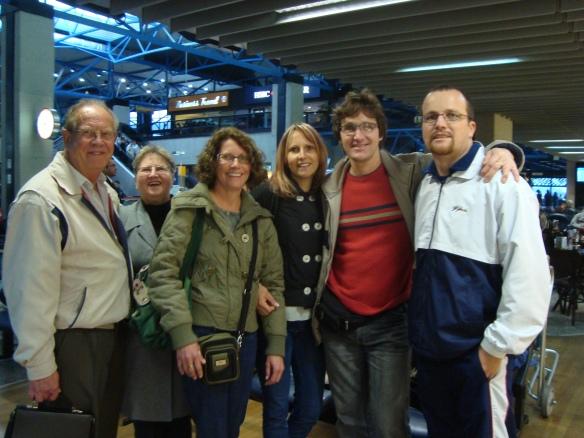 Seu Alfredo, D. Adele, Carmen, Agnes, Hedo e Vanderlei. (22/07/2009)