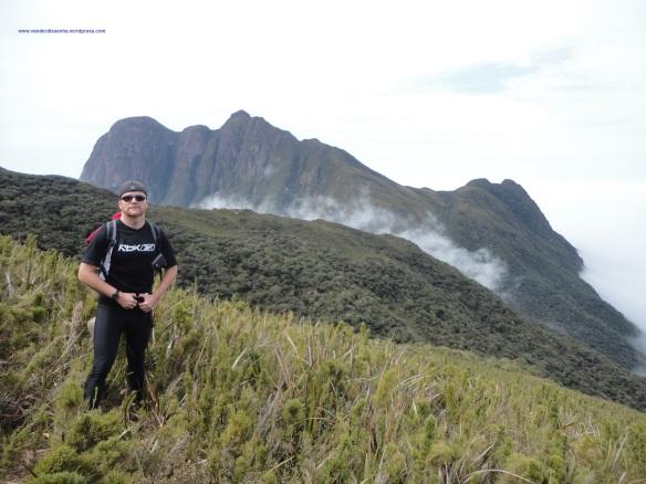 Primeira visão completa do Pico Paraná.