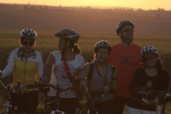Ciclistas descontraídos...