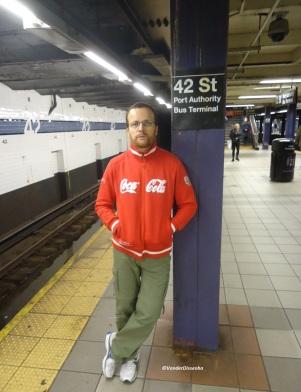 Vander, na estação da 42 Street. (2011)