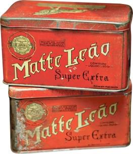 Antigas latas de Matte Leão.