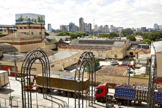 Matte Leão após demolição. (Foto: Gazeta do Povo)